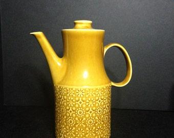 CONNEMARA CELTIC Yellow Teapot/Irish Fine Earthenware yellow teapot/Made In Republic of Ireland/Mid Century Irish Pottery Connemara teapot