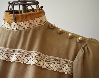 1970s Brown Dress with Lace | 70s Fashion | Retro Fashion