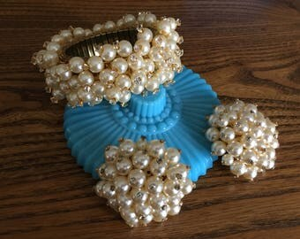 Vintage Faux Pearl with Rhinestone Cha Cha Stretch Bracelet and Earring Set 1136