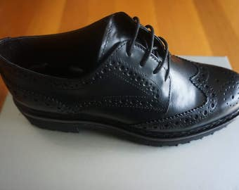 MOMENTI Patent Leather Oxford Shoes - Black * Made in Italy *
