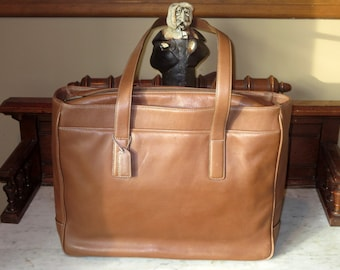 Spring Sale Coach Hamptons Padded Laptop Business Tote In British Tan Leather Style No 5209- VGC- Get Organized !
