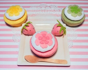 Handmade Cupcake Set -3 flower cupcakes. Felt Food, Felt Cupcake,Felt Toys,Toy Food,Tea Party toy,Learning toy,Gift for Girls, Birthday Gift
