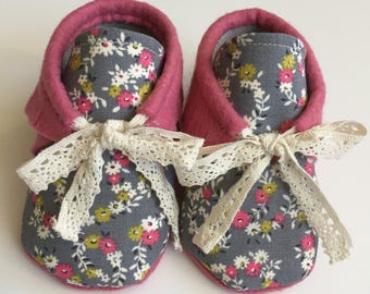 RoseTie Moccs • Queen B Moccs  • baby moccasins