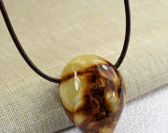 Natural amber pendant 15.5 gr. Baltic Amber jewelry, Natural gift. Genuine Baltic Amber Pendant, Butterscotch color Amber amulet