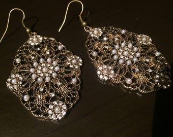 Pearl Rhinestone gold filigree earrings