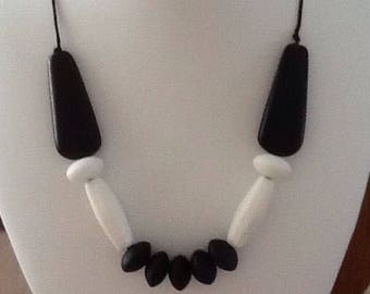 Black & White adjustable resin beaded necklace