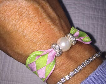 Preppy Pink and Green argyle Pearl Bracelet