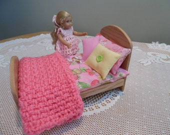 """Solid Oak Bed/w Pink Bedding made for the American Girl """"Mini"""" Doll  other 5-8 Inch Dolls"""