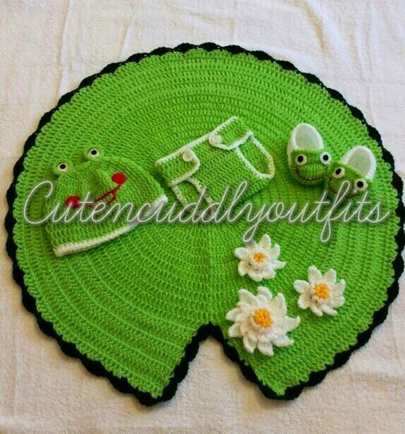 Crochet Pattern Baby frog photo prop Baby Frog Prop Pattern