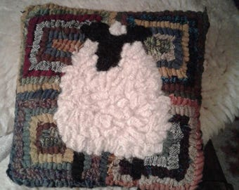 Scrappy Sheep Hand Hooked Pattern