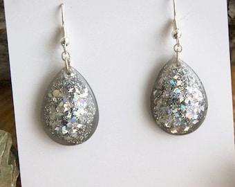 Gray Teardrop Resin earrings Birthday gift for Girlfriend Gray earrings Gift for birthday Girlfriend gift Teardrop earrings Gray earrings