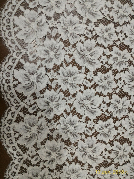 Off-White lace fabric, French lace, lace Bridal lace Wedding lace White lace Veil lace Scalloped Floral lace Lingerie
