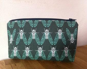 Green wash bag,makeup bag,pencil case,mens wash bag,cosmetic purse,boys wash bag,zipper purse,bags and purses,makeup storage,moth bag