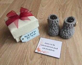 Grey Baby Booties with Love Button in a Gift Box Size Newborn, Pregnancy Announcement Gift, Pregnancy Reveal to Grandparents, Baby Shower