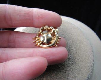 Vintage Signed Avon Goldtone Crab Rhinestone Pin