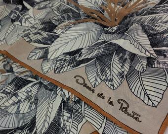 Oscar de la Renta - vintage - 100% pure silk square sacarf