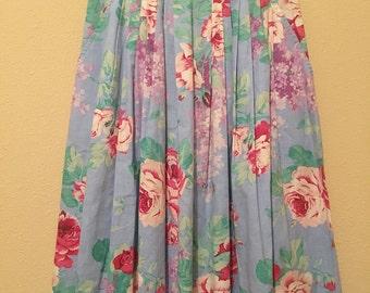 Beautiful Feminine 70s Floral Pleated Skirt by SYNÁRI