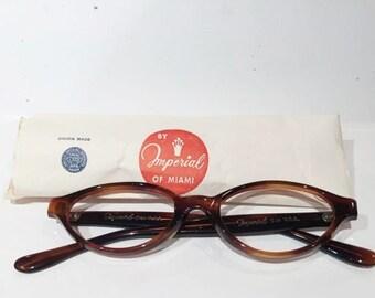 Vintage Round Tortoise Shell Eyeglasses, New Old Stock, Brown Amber Tortoise Shell Oval Glasses Frames, NOS, Round Nerd Geek Eyeglass Frames