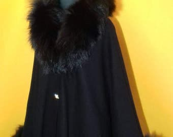 Elegant cashmere poncho/coat/cape/shawl with real fox fur