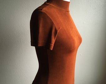 vintage 90s mg apparel slinky shimmery stretchy burnt sienna short sleeve pull over mock turtleneck shirt made in usa