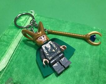 Lego Loki Minifigure keychain / keyring with hammer! Thor Avengers Superhero