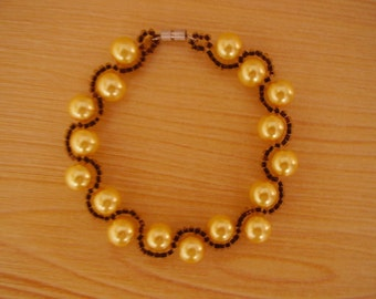 Handmade with pearls and Beads Bracelet
