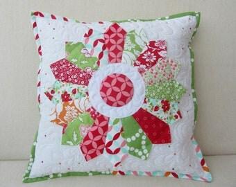 """""""Dresden Plate"""" quilt pillow case"""