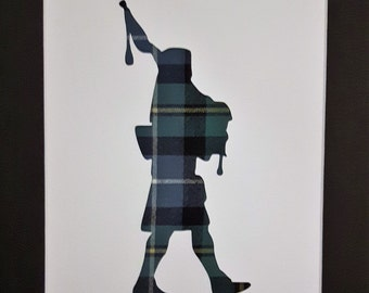 Bagpiper Tartan Wool Picture Scottish Gifts Souvenirs