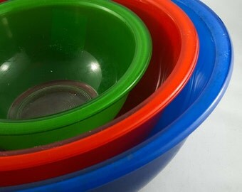 Set of 3 Primary Color Pyrex Mixing Bowls