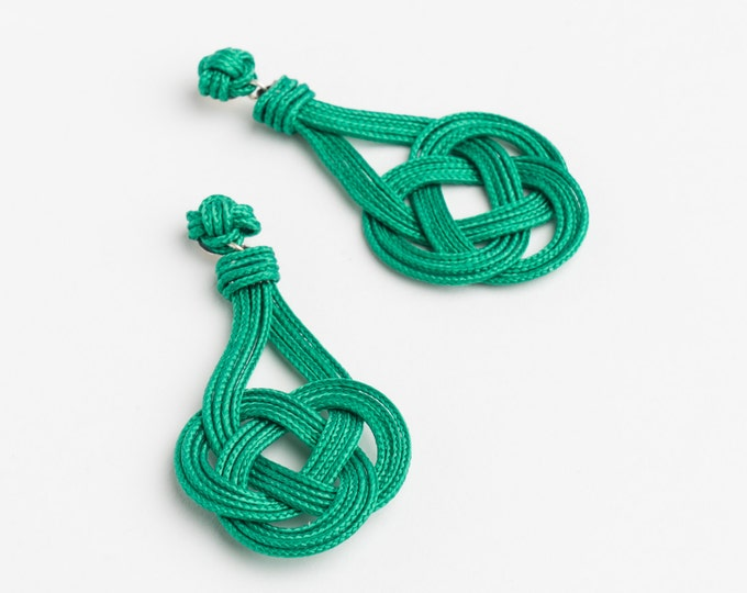 Small Trinity Knot Earrings, Macrame earring, knotting, love knot, nautical knot