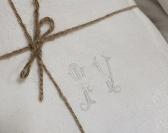 Set of monogrammed table napkins and matching tablecoth