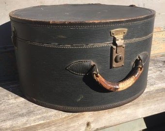 Large Vintage Hat Box