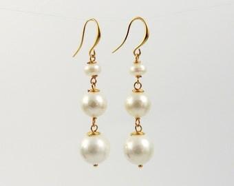 White pearl earrings, long white pearl earrings, elegant white  shellpearl earrings, gold white pearl earrings, white pearl drop earrings