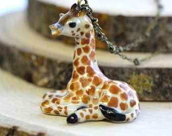 Hand Painted Porcelain Giraffe Necklace, Antique Bronze Chain, Vintage Style, Ceramic Animal Pendant & Chain (CA032)