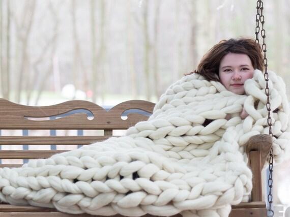 grosse couverture tricot tricot grosse jet bras en tricot. Black Bedroom Furniture Sets. Home Design Ideas