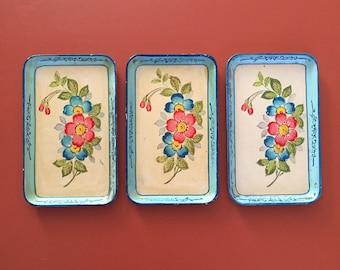 Japanese trays / handpainted / set of 3