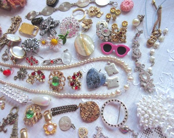 Vintage  brooches  broken jewelry parts  unfinished  odd parts  missing rhinestones craft repair  harvest  assemblage  destash lot