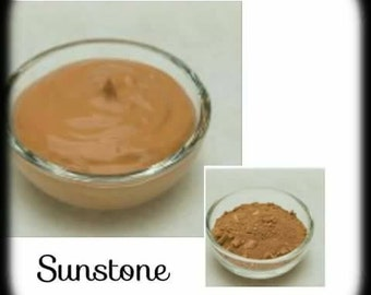 Mineral Powder Foundation: Sunstone