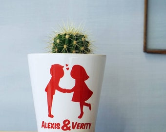 Personalised Gift - Valentines Gift - Personalised Plant Pot - Kissing Couples plant pot