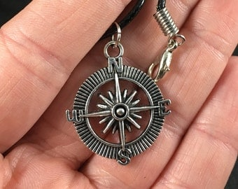 Vintage Silver Toned Compass Rose Pendant Necklace