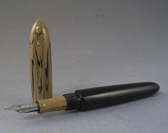 Gothic 2000 model fountain pen