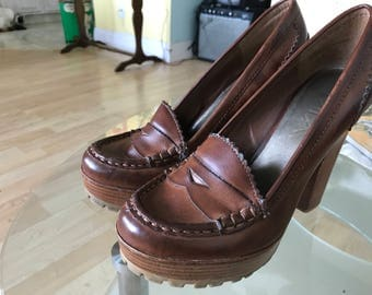 Sz 6 brown pumps