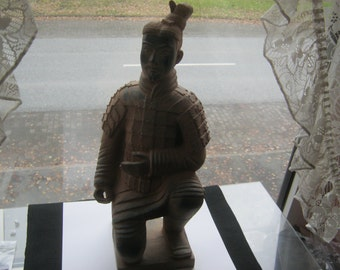 Soldier China plastic clay look ca. 1970, mint condition, height ca. 40 cm, diameter ca. 20 cm, decorative items