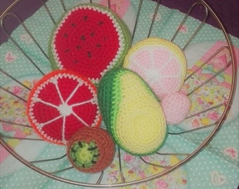Self-crocheted special fruit bowl
