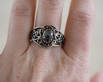 Black Hematite Gemstone Heart Filigree Vintage Sterling Silver Ring, US Size 9.75, Used