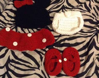 Minnie Mouse Newborn Outfit