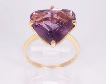 18K Yellow Gold Amethyst Ring, size 9.75