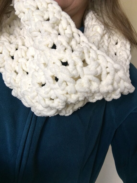 PATTERN: The Parmesan Infinity Scarf Beginner Crochet