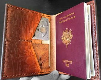 Door-Passport vegetable tanning leather, ground wood, color degraded Spanish brown/Tan, dark brown seams