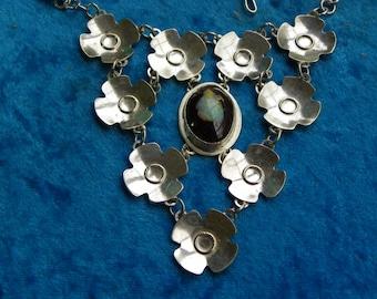 Handmade Award Winning Opal Necklace (029)